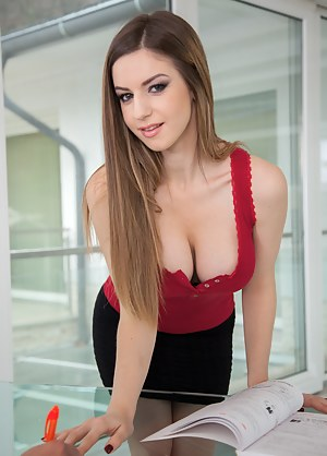 Free Big Natural Tits Teen Porn Pictures
